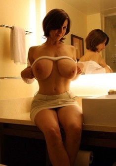 She looks so fun. Experienced milf,..