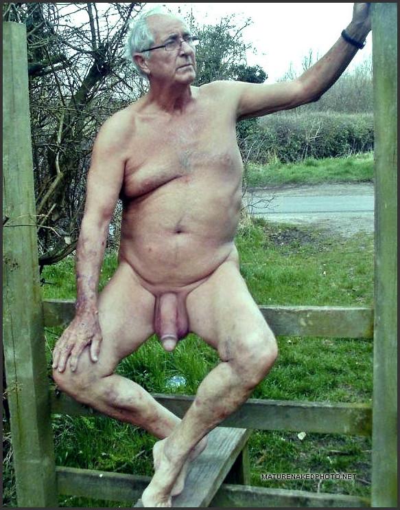 Guy nude mirror dick