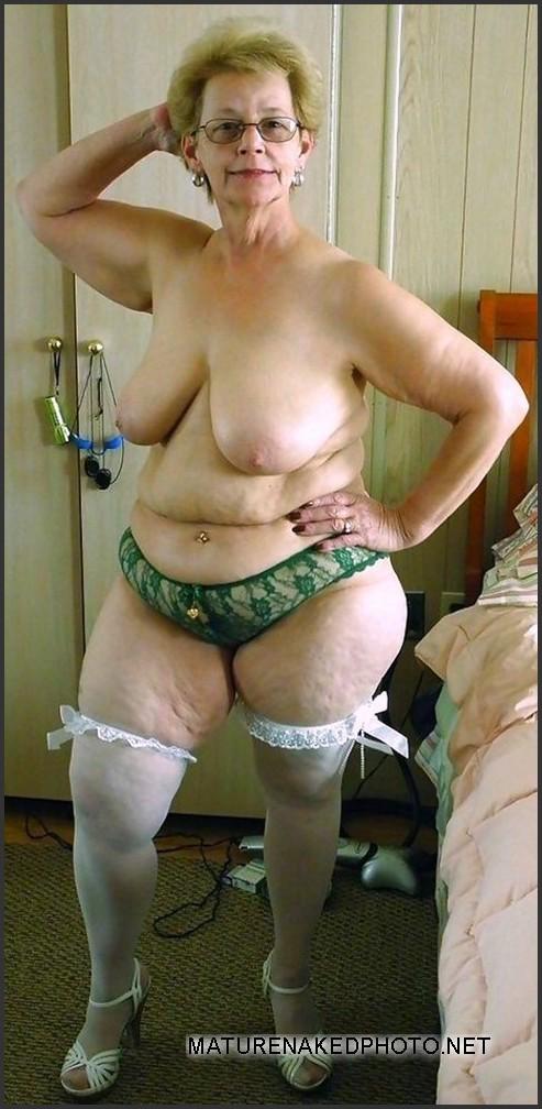 Old wrinkled nude women