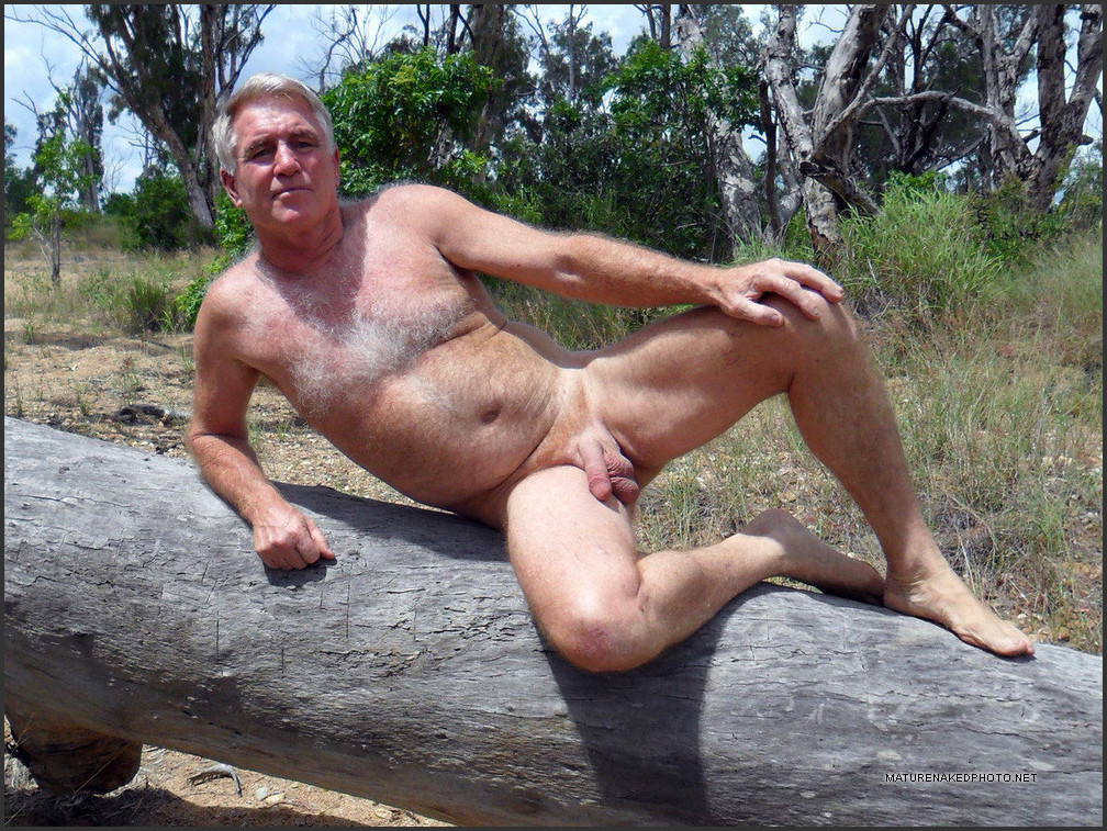 Pictures of naked mature men